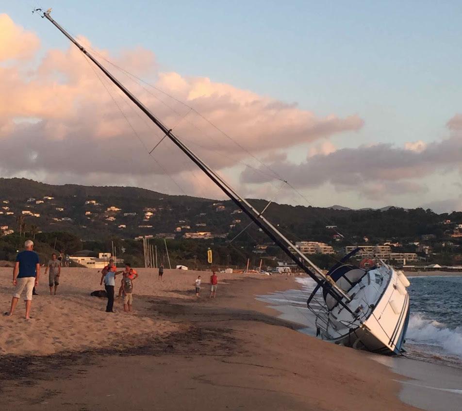 Porticcio : Un voilier s'échoue sur la plage de la Viva