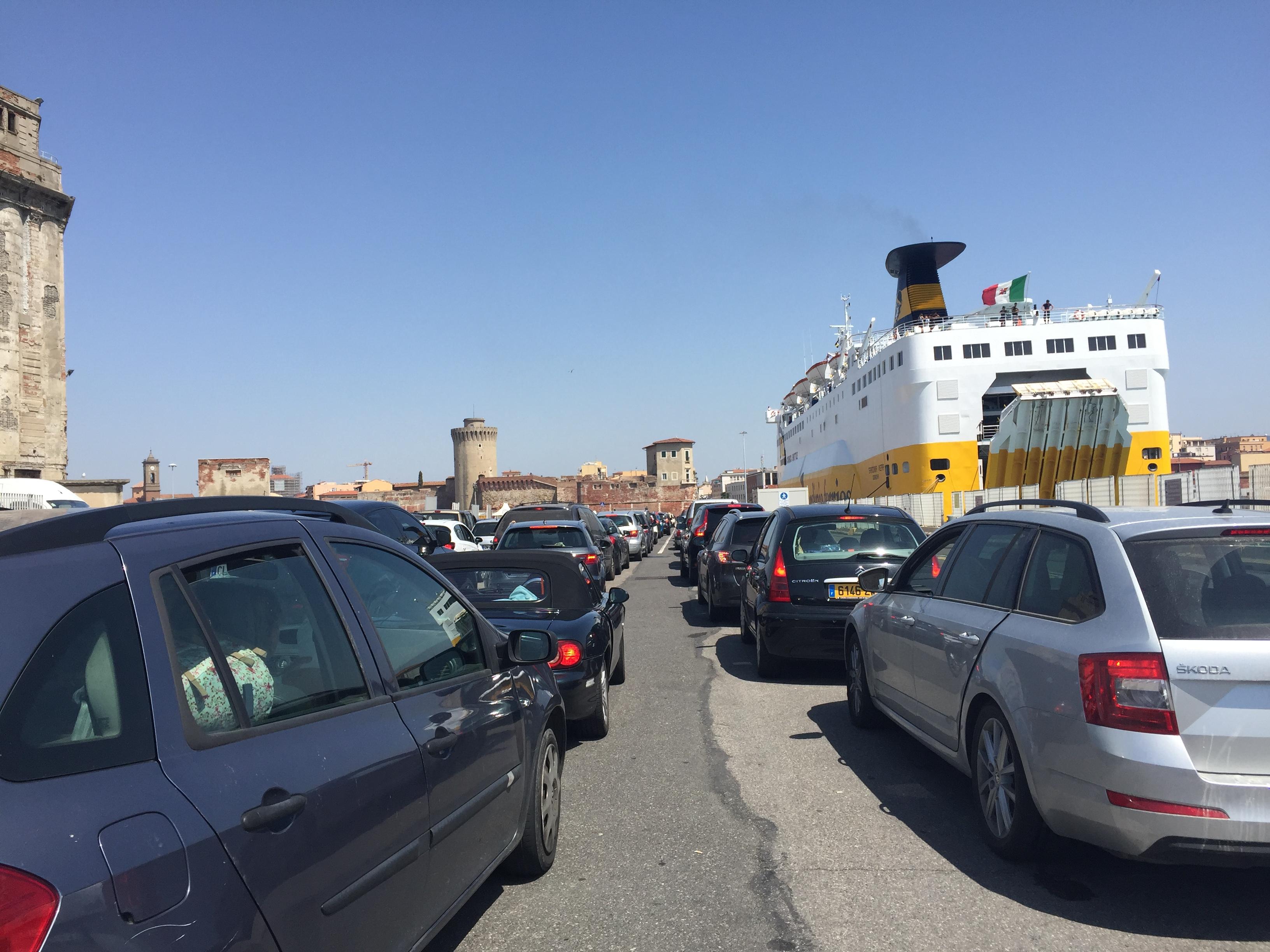 Livourne véritable port-passoire : Contrôles des identités, des bagages et des voitures rares