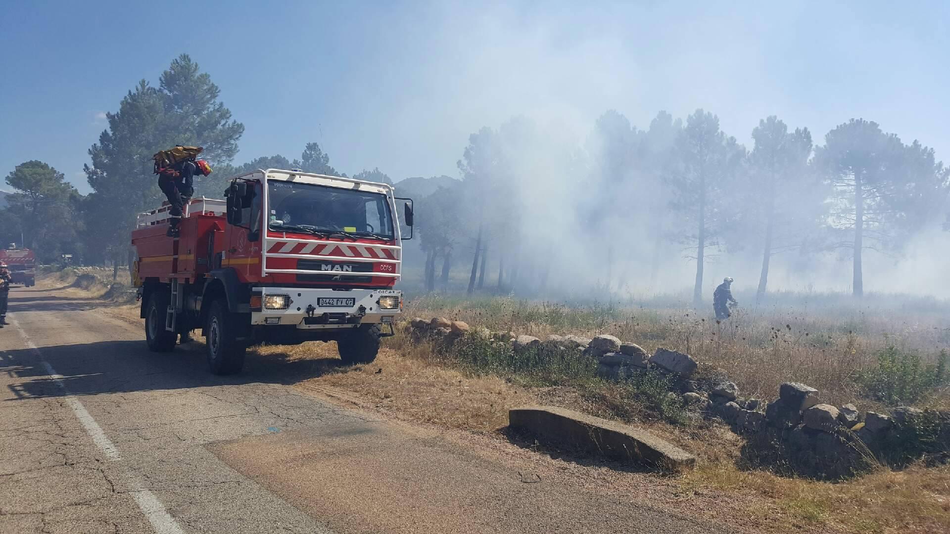 Les pompiers ardéchois en action en Corse-du-Sud (Photo Sdis 2A)