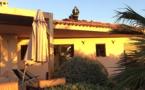 Toiture d'une villa en feu à Lumio
