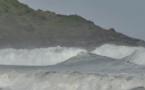Pietracorbara : Impressionnantes, les vagues déferlent sur la marine