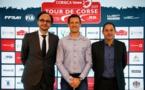 Nicolas Deschaux (à gauche) président de la FFSA; a procédé récemment à la présentation officielle de la quatrième manche du Championnat du Monde des Rallyes en compagnie de Sébastien Ogier et de Pascal Trojani.