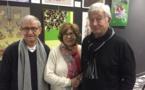 Battì, à droite, a inauguré son exposition en compagnie de ses proches...