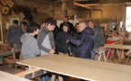 Des élèves de la section nautisme du Lycée de Balagne à la découverte de la Menuiserie LBD de Lumio