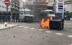 Affrontements entre agriculteurs et forces de l'ordre devant le commissariat de Bastia