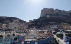 La photo du jour : Le port de Bonifacio et sa citadelle