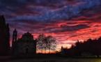 La photo du jour : lever du jour sur l'église de Canavaggia