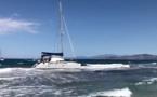 VIDEO - L'Ile-Rousse : un catamaran s'échoue sur la plage de la Marinella