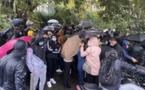 Des dizaines de restaurateurs, cafetiers et commerçants bastiais manifestaient devant les grilles de la préfecture