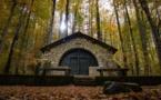 La photo du jour : la chapelle de Vizzavona aux couleurs automnales