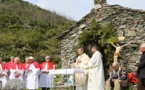 Pèlerinage sur le toit du Cap Corse avec l'évêque : Le diaporama