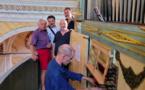 Le Maire Etienne Suzzoni et Maxime Vuillamier, 4e adjoint , lors de la réception de l' orgue en présence de Michel Colin technicien conseil et maître d'œuvre ,  Romain Legros facteur d'orgue et Jean Louis Horn organiste titulaire  de Lumiu