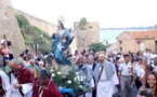 Procession de Sainte Marie à Calvi en présence de l'Evêque de Nice