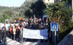 Parents d'élèves en colère à Lumio : Ils bloquent la RN197 pour protester contre la fermeture d'une classe