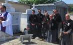 San Fiurenzu : A Cunfraternità San Martinu chante le Libera Me en hommage aux Goumiers