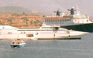 L'ancien NGV Asco coule dans un port en Espagne