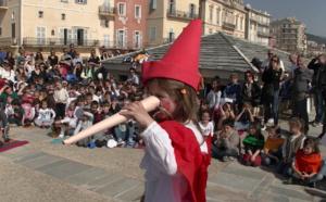 Bastia : Pinocchio, Moby Dick et Pesciu Anguilla investissent le Vieux-Port