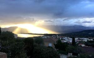 La photo du jour : Quand le Soleil illumine A Revellata