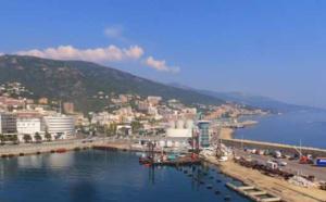 Le port de commerce de Bastia.