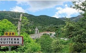 Des habitants du village de Guitera s'oppose à  EDF/SEI