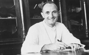 Monseigneur Pierre Zevaco dont une rue porte le nom à Vico depuis le 15 août
