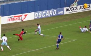 """Sporting-Etoile : Le derby pour les """"bleus"""" (3-0)"""