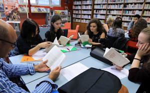 Une classe de première littéraire du lycée Laetitia jury du prix Goncourt des lycéens 2018
