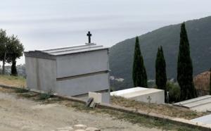 In Corsica è sempre in usu di andà à u cimiteriu u primu di nuvembre