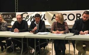 Autour de Jean-Félix Acquaviva, secrétaire national du parti Femu a Corsica, des membres du bureau exécutif : Ghjulia Santolini, Francescu Martinetti, Antonia Luciani, et Marc-Antoine Campana.