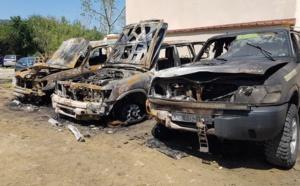 Les trois véhicules étaient stationnés derrière le garage Vito à la sortie de Calvi