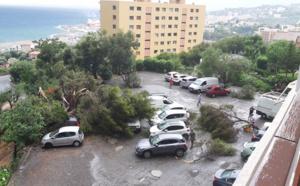 VIDEO - Après deux trombes marines, une mini-tornade a frappé Bastia