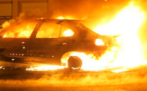 Véhicule en feu à San-Giuliano
