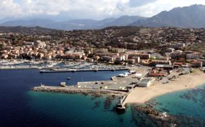 Port de commerce de Pruprià. Photo Michel Luccioni.