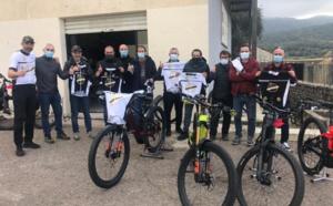 Remise du 1er maillot officiel au Muntagna Bikes Balagna
