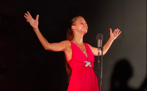 Katerina Kovanji, fondatrice et directrice artistique du concours, je chante en Corse