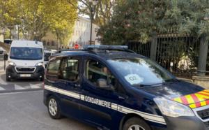 VIDEO - Jugé en appel, Jacques Mariani arrive sous bonne escorte à Bastia