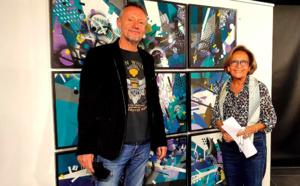 L'artiste avec Simone Guerrini, Adjointe à la Culture et au Patrimoine de la Ville d'Ajaccio,