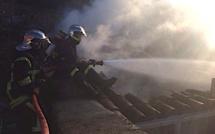 Un garage entièrement détruit par les flammes à Aregno