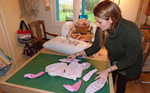 """Ghisonaccia : Le """"doudou lapin"""", la passion artisanale de Florence"""