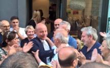 Pumonte : Paul André Colombani et Jean Jacques Ferrara en marche vers le Palais Bourbon