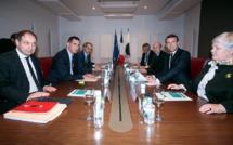 Silence radio après la rencontre de Simeoni et Talamoni avec Macron