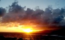 La photo du jour : Coucher de Soleil, éblouissant, sur les Sanguinaires