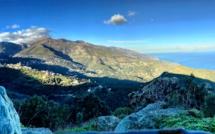 La photo du jour : San Martinu di Lota auréolé de bleu