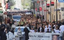 Plus de 3 000 personnes à la marche silencieuse de L'Ile-Rousse en hommage à Julie
