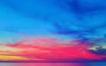 La photo du jour : quand le soleil colore le golfe de Lava