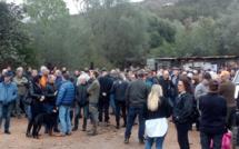 Plus de 200 personnes réunies à Palombaggia après l'incendie de la bergerie de François-Pierre Giraschi