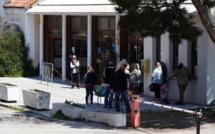 Distribution de colis alimentaires à destination des plus démunis à la gare de Calvi