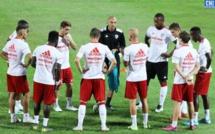 Football : PSG champion de ligue 1, Lorient et Lens accèdent.  Pas de barrages pour l'ACA
