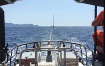 Hélitreuillage du propriétaire d'un voilier et intervention de la SNSM à Porto