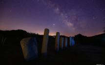 La photo du jour : les statues-menhirs de Cauria dans la nuit